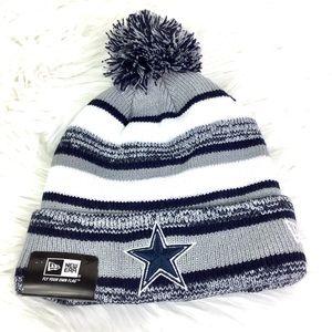 NWT Dallas Cowboys stripped Pom Beanie Hat NFL
